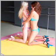 Bikini fights over toyknife – Vicky vs Lexxi