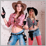 Cowgirl gunfight – Amelie vs Sabrina