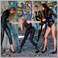 Future cop – Amelie vs Stella, Sabrina and Vera