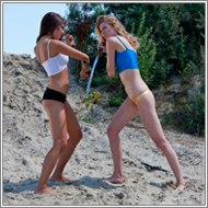 Weapon fight on the beach – Vera vs Sabrina